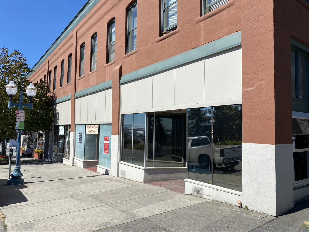 Downtown End Cap Retail/Office Space FOR LEASE – 310 W. Holly St.